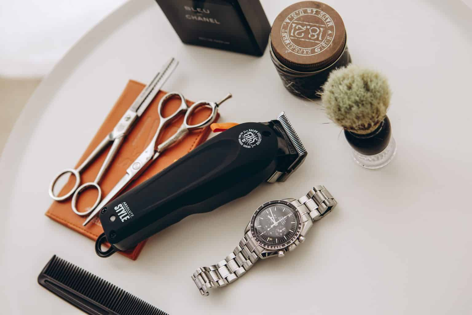 A barber's set for cutting and styling hair