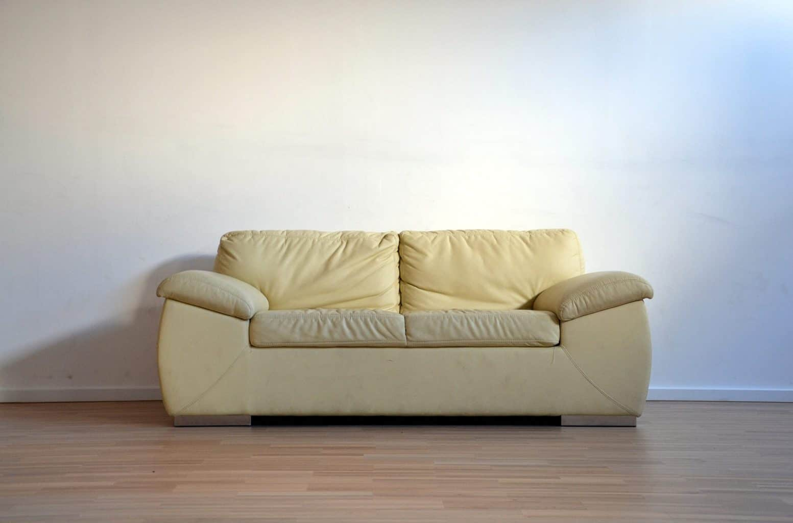 Sofa with huge furniture pads